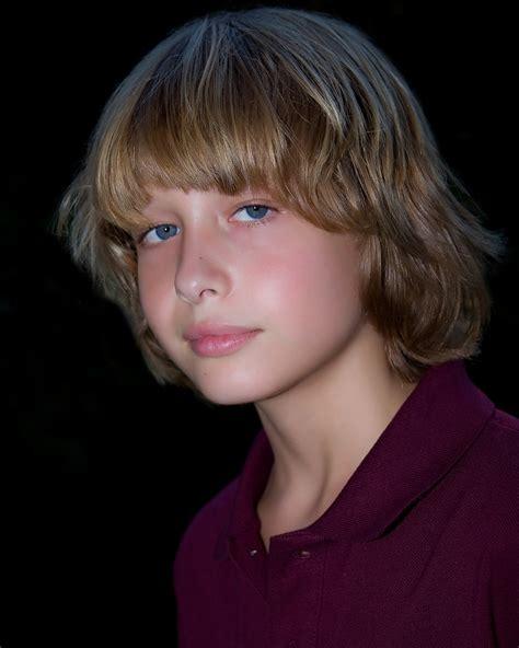 boy model robbie sets pour tom headshots faceboys