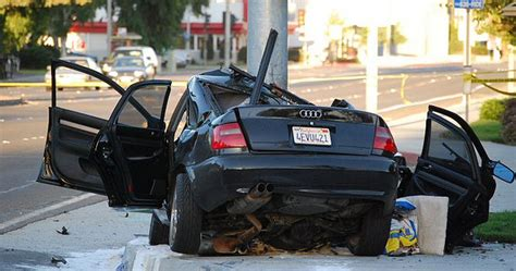 car accidents caused by traffic lights car crashes caused by texting and driving girls