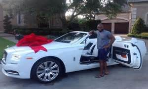 Rolls Royce Gifts Buys Husband A Rolls Royce As S Day Gift