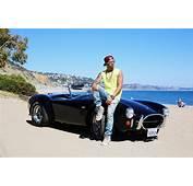 Ο Lewis Hamilton αγόρασε και την Shelby Cobra 427 του 1966