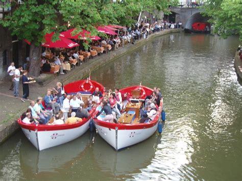 sloep varen utrecht rondvaart inclusief tapas eten op het water