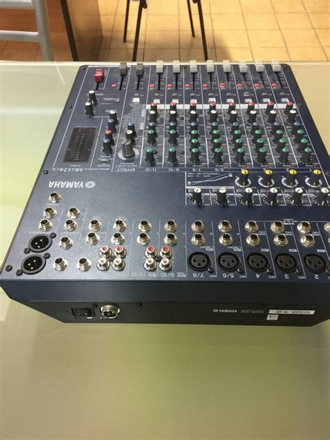 Mixer Yamaha Mg 124 Cx yamaha mg124cx image 1703121 audiofanzine