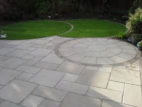 saxon textured garden paving circle marshalls co uk