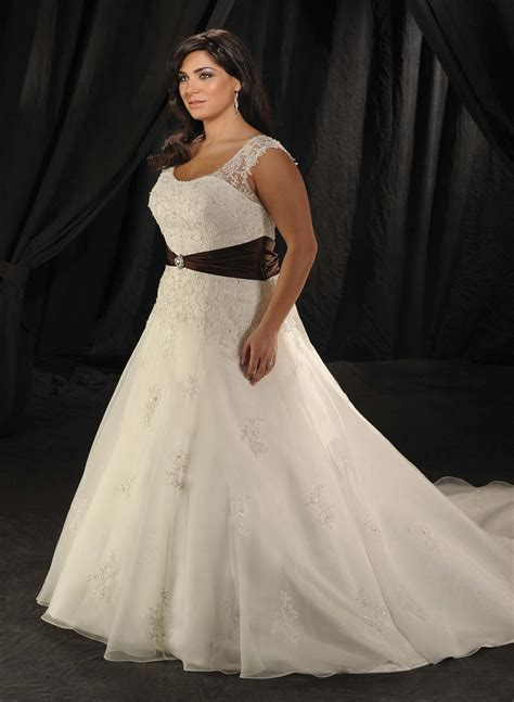 beautiful cheap plus size wedding dress   Sang Maestro