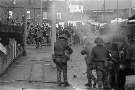 rubber st company belfast photos of the army in northern ireland 1969 1979