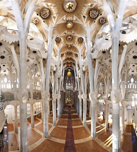 Interior Sagrada Familia by Sagrada Fam 237 Lia Interior Sagrada Familia
