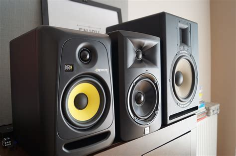 Speaker Aktif Jbl Lsr305 jbl lsr305 vs krk rokit 5 rp5 g3 comparison part 2 jbl lsr305 review