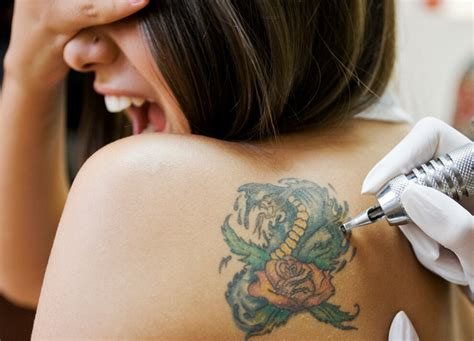 does getting a tattoo removed hurt how much do tattoos hurt new health advisor