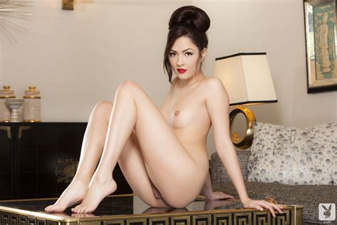 Superb Asian Playmate Removing Her Clothes And Posing Nude