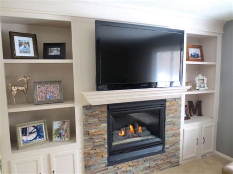 Shelves In Fireplace by Remodelaholic Fireplace Makeover With Built In Shelves