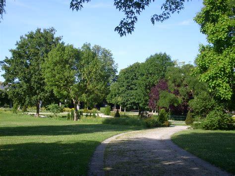 jardin public file jardin public de saintes 2 jpg wikimedia commons