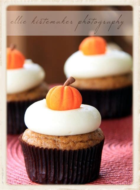 Ina Garten Cream Cheese Frosting by Pumpkin Cupcakes With Maple Cream Cheese Icing Sweetopia