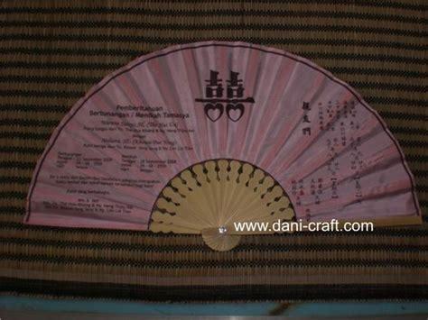 Souvenir Pernikahan Kipas Bahan Kain Sifon Ukuran 14 Cm undangan kipas contoh undangan pernikahan undangan