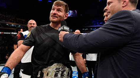 stipe miocic brought to tears as crowd welcomes him home