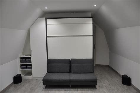 d馗o chambre sous pente affordable lit escamotable avec banquette with lit sous pente