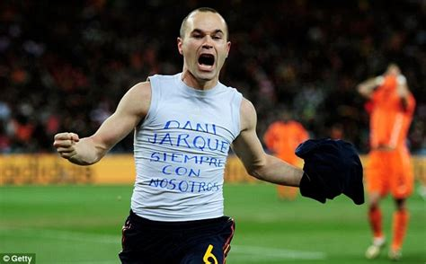 Kaos T Shirt Andres Iniesta Iniesta andres iniesta s world cup t shirt is tribute to