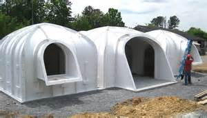 hobbit haus bauen a green roofed hobbit home anyone can build in just 3 days