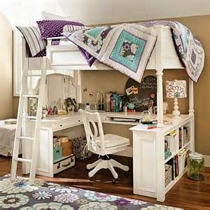 Below demonstrate some cool bunk bed setups that integrate bed