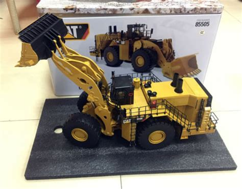 caterpillar cat  wheel loader rock configuration diecast masters   diecasts toy