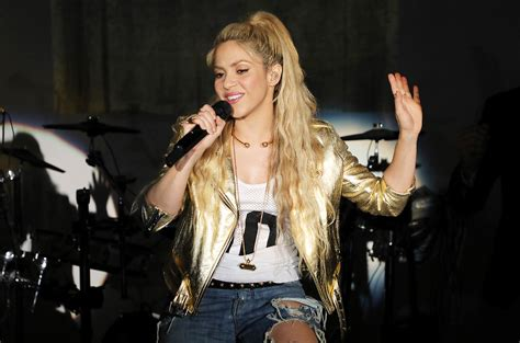 shakira embarazada shakira s el dorado songs which is best poll billboard