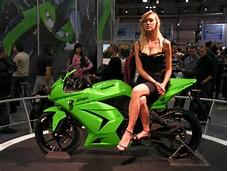Kawasaki Ninja 250 Girl