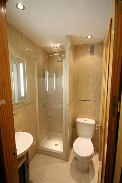 giving head in bathroom best 25 small shower stalls ideas on pinterest shower