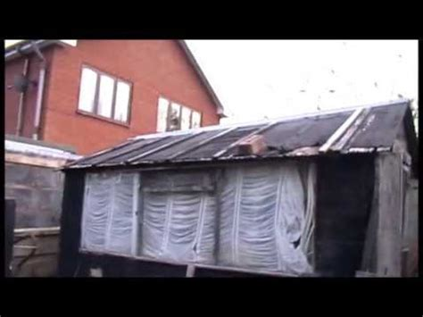 the correct way to repair a shed roof
