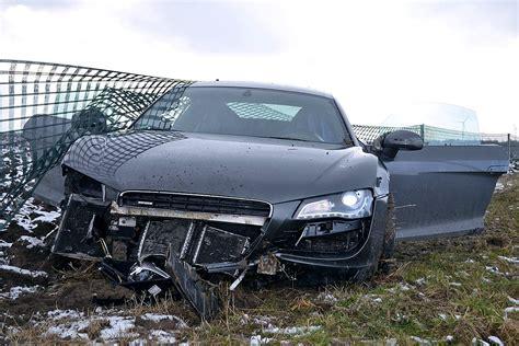 Versicherung F R Geliehene Autos teure probefahrt audi r8 geschrottet bilder autobild de