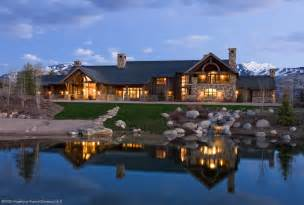 luxury log cabin homes preferred building materials for the rich