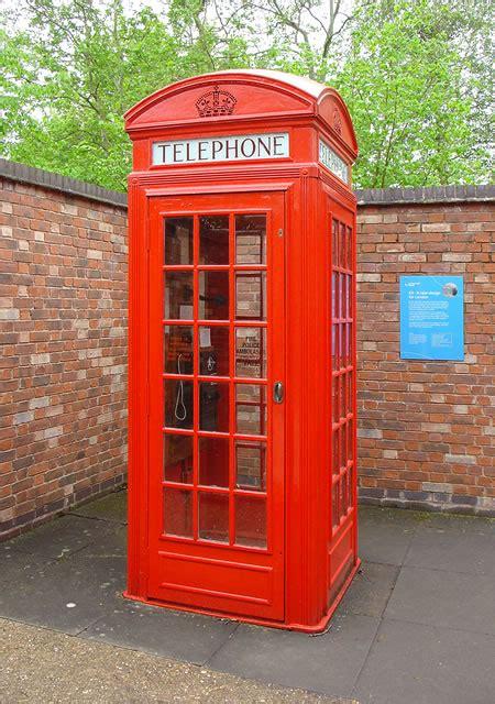 Telephone Box By the great telephone box begindesign
