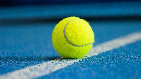 the debate what color is a tennis