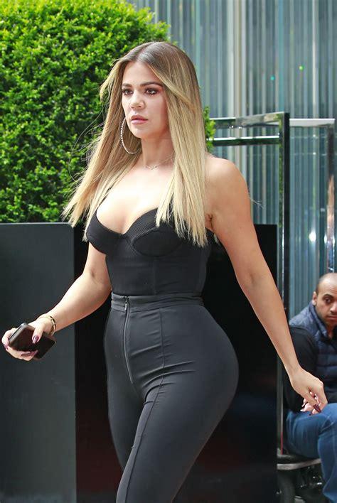 khloe kardashian kim and khloe kardashian leaves their hotel in new york 05