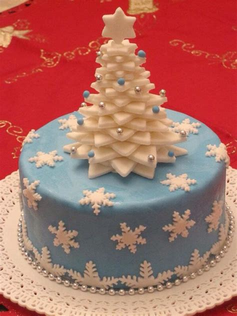 610 best christmas decorated cakes images on pinterest