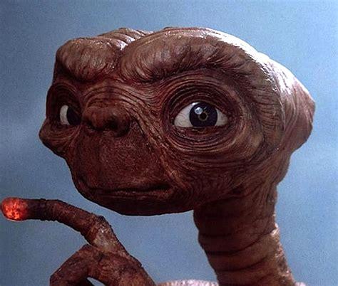 film robot et extraterrestre e t l extra terrestre steven spielberg film 1982 oscar