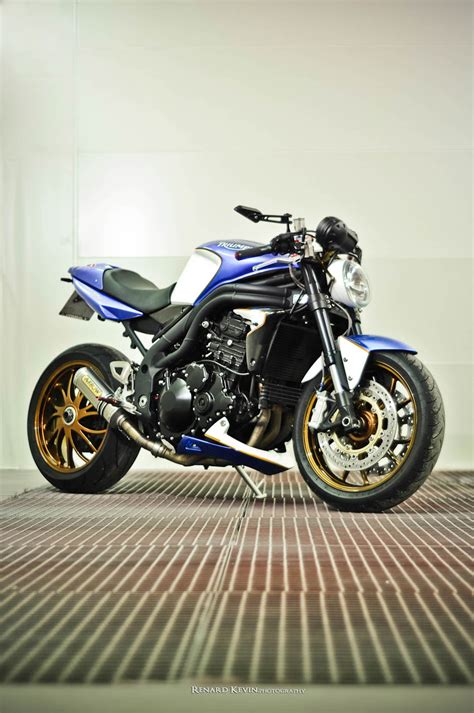 triumph speed triple   fcr autoevolution