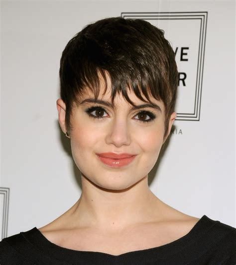 piecey short haircuts sami gayle s piecey bangs 10 fresh ways to wear short