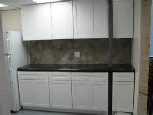 Images of White Shaker Cabinets