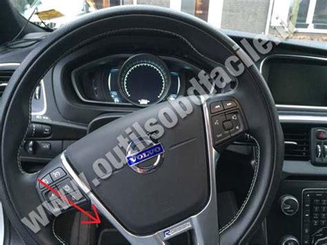 volvo s40 diagnostic obd2 port location video youtube obd2 connector location in volvo v40 2012 outils obd facile