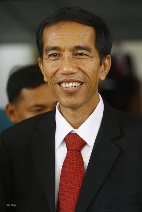 Jokowi Jpg | gaya jokowi mirip lsm jabarsatu com
