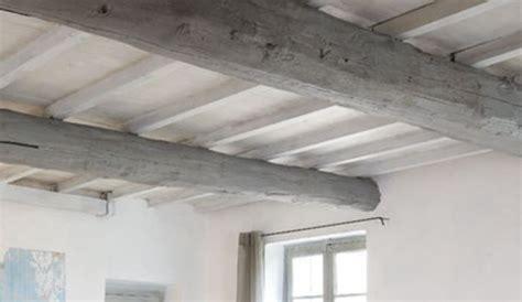 Peindre Un Plafond En Bois by Repeindre Un Plafond Avec Poutres En Bois Apparentes
