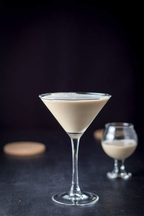 liqueur martini best 25 chocolate martini recipes ideas on