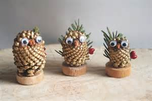 Pine cone owl decorations takie crafts