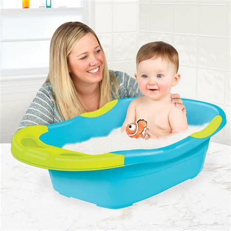 nemo baby bathtub amazon com sassy disney fun bath tub finding nemo