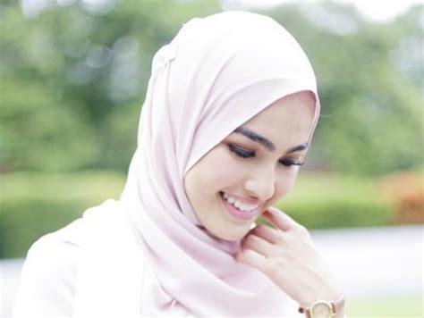 format video yang paling kecil inilah ranking 10 artis wanita paling cantik di malaysia