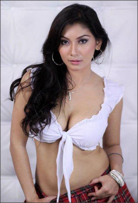 daftar film hot indonesia lawas 10 model majalah popular terseksi top 10 indo