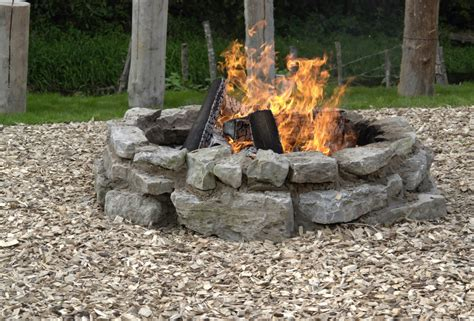 how to build an outdoor pit