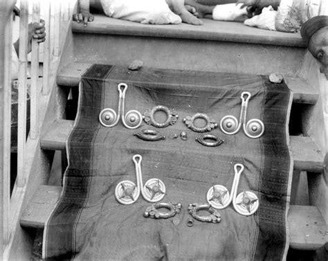 Aksesoris Kuku Emas perhiasan wanita