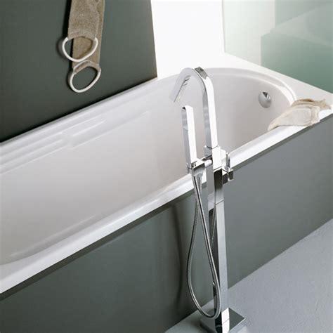 robinets baignoire ensemble mitigeur de baignoire sur colonne au sol cubique