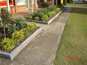 Cheap Garden Edging Ideas Landscaping Ideas Landscaping Borders And Landscaping On