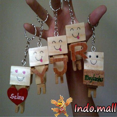Kado Gantungan Kunci Souvenir Irak jual gantungan kunci danbo kayu kado romantis unik lucu indo mall